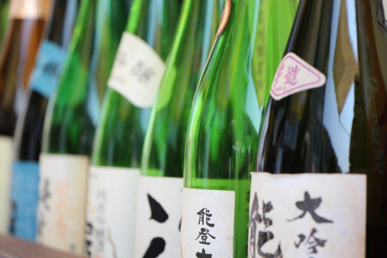 日本酒を有名銘柄を一挙紹介!味や風味から評判まで検索数順で紹介!