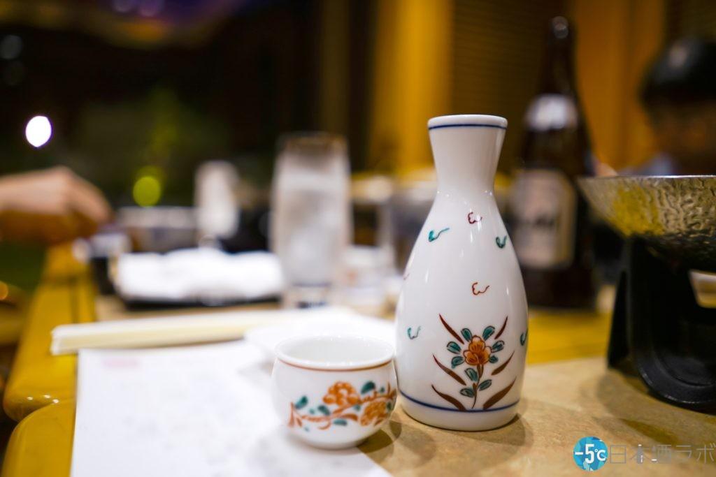 徳利とおちょこと日本酒