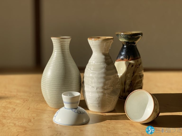日本酒はおちょこで楽しむのがベスト?注ぎ方にも決まりがあるの?