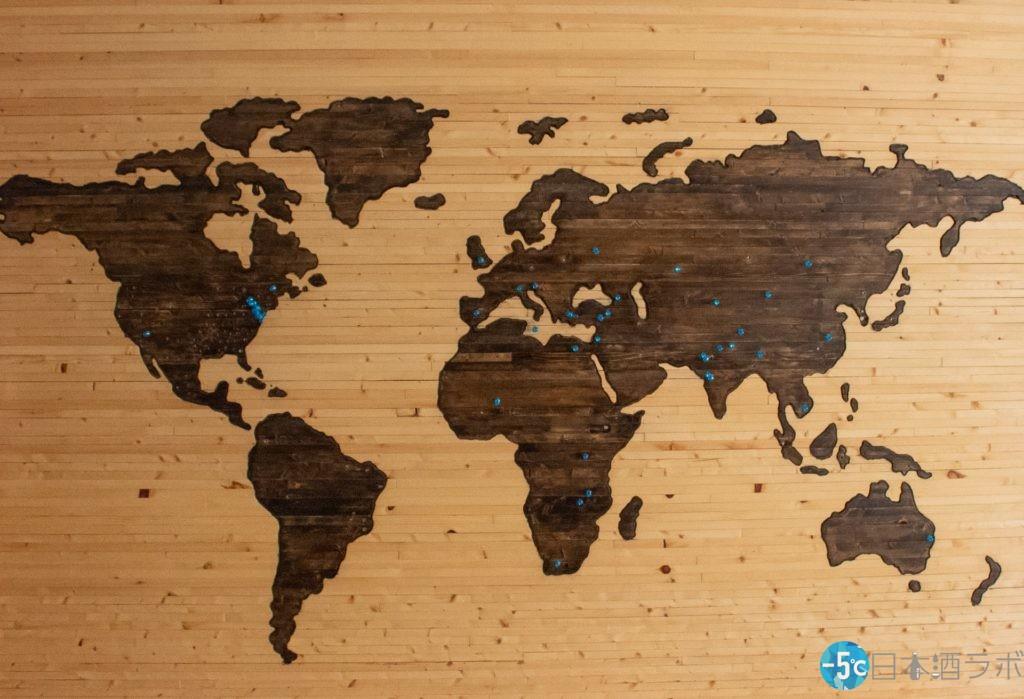 木目の世界地図