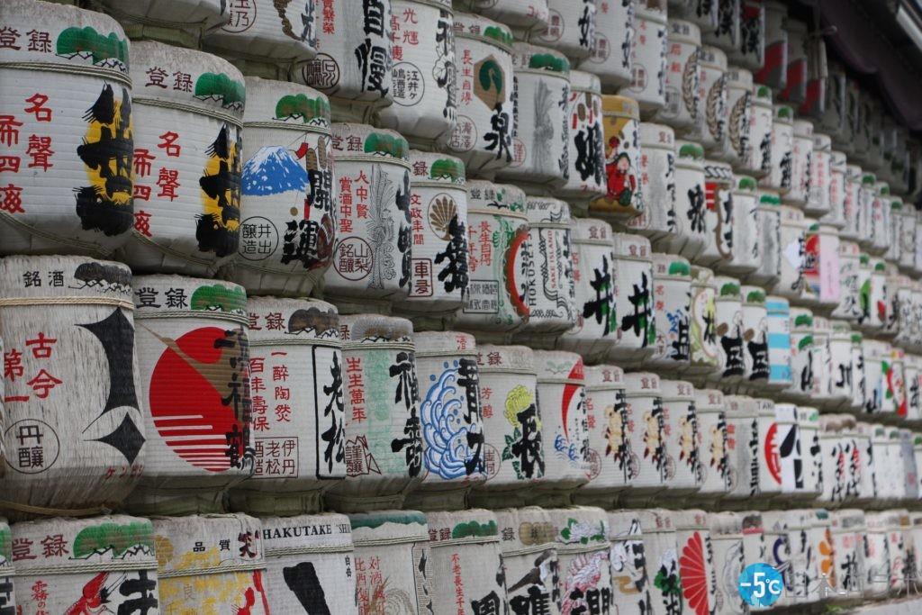 日本酒 大量の樽