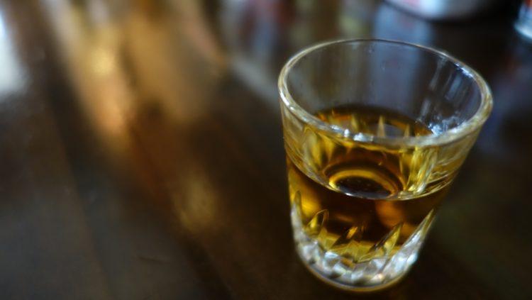 江戸時代の日本酒のように色の濃いウィスキー