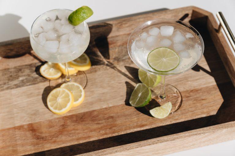 日本酒とライムでつくる「サムライ・ロック」とは?レシピや特徴を紹介!