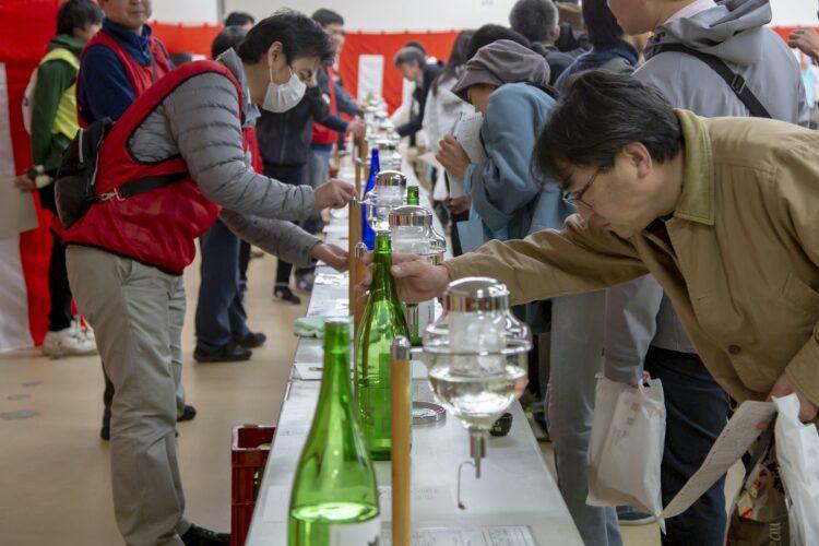 毎年3万人の来場イベント「四国酒まつり」がコロナの影響で中止に。四国内の蔵元が丹精込めて造ったこだわりの地酒で「オンライン酒まつり」を開催!