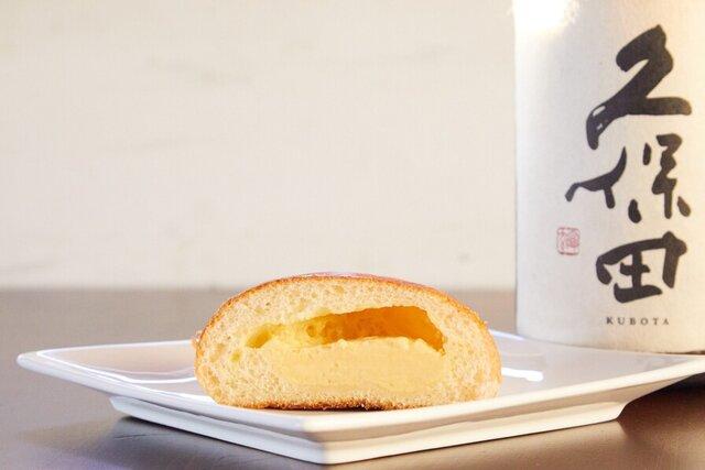 クリームパンと日本酒