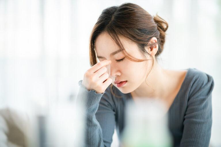 お酒を飲むと頭痛が起きるのはなぜ?頭痛を予防する日本酒の楽しみ方も解説!